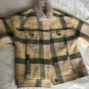 UO JACKET SUPER WARM ONLY WARN HANDFUL OF TIMES